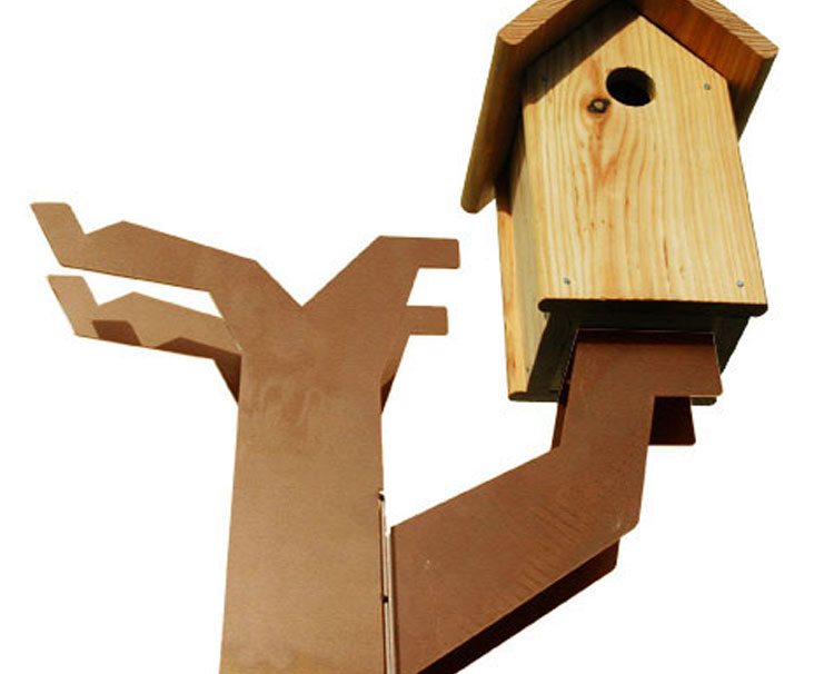 Vogelboomhut detail vogelhuisje