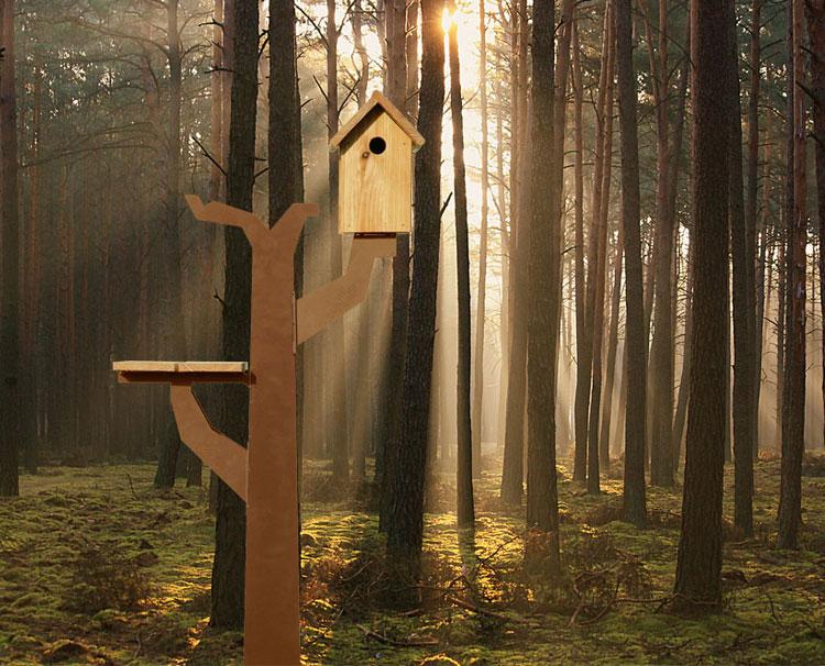 Vogelboomhut in het bos